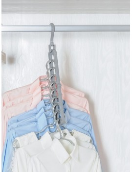 9 Hole Cloth Hanger